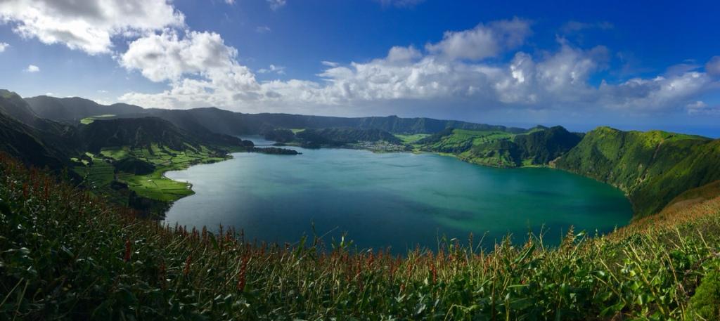 Panoramablick über den Vulkankrater von Sete Cidades